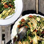 Salata sa šparglama, tikvicama i Halumi sirom