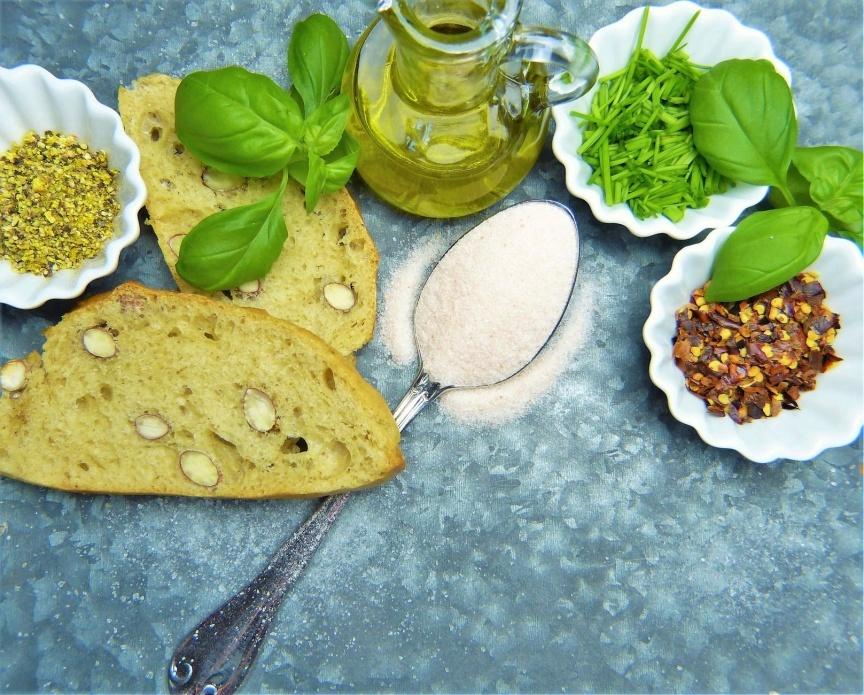 Kokosovo brašno jedno je od vrsta brašna koje je po prirodi blago slatkog ukusa -- idealno za poslastice