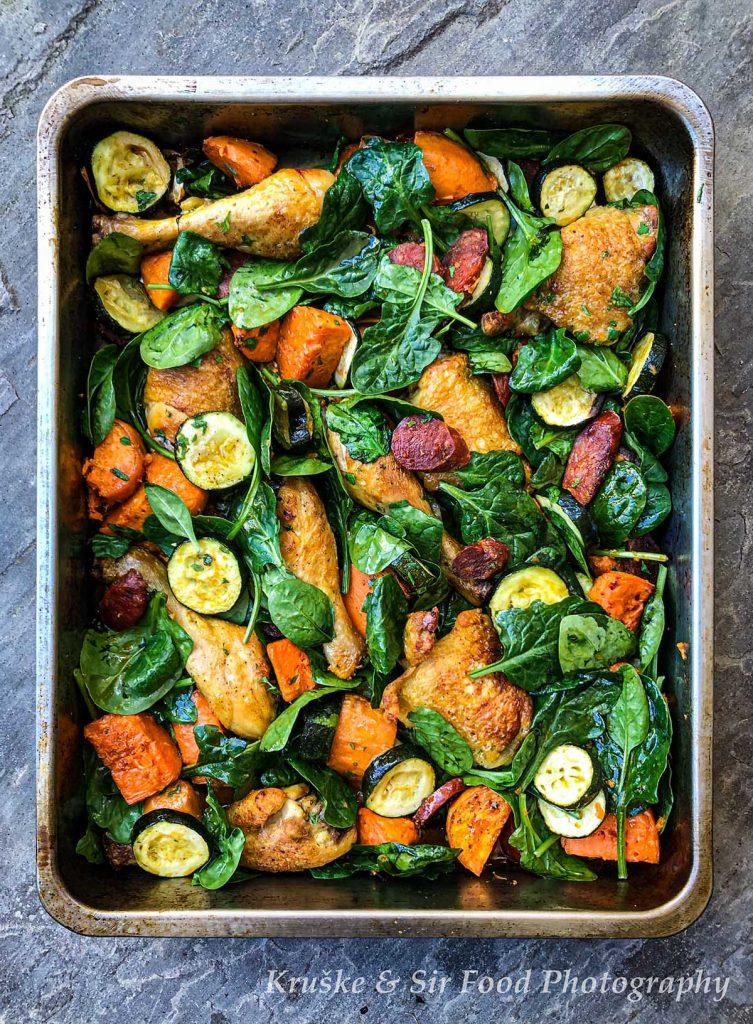 Piletina sa spanaćem i chorizo kobasicom nije samo preukusna, već i prelepa na izgled!
