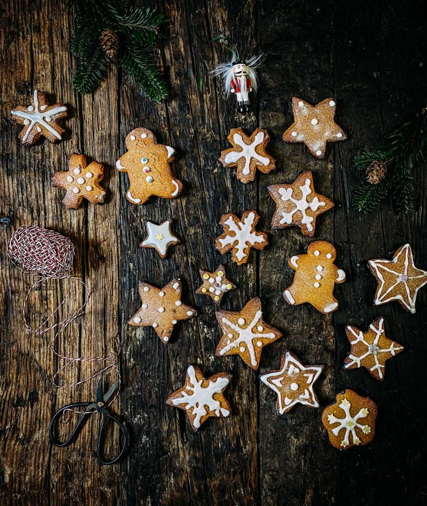 Aromatični medenjaci sa čokoladom Aromatični medenjaci sa čokoladom će vam ulepšati zimske dane