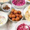 Falafel je vrlo posebna namirnica; poreklo vodi iz Egipta, ali bliskoistočna varijanta od leblebija je poznatija i popularnija u svetu.
