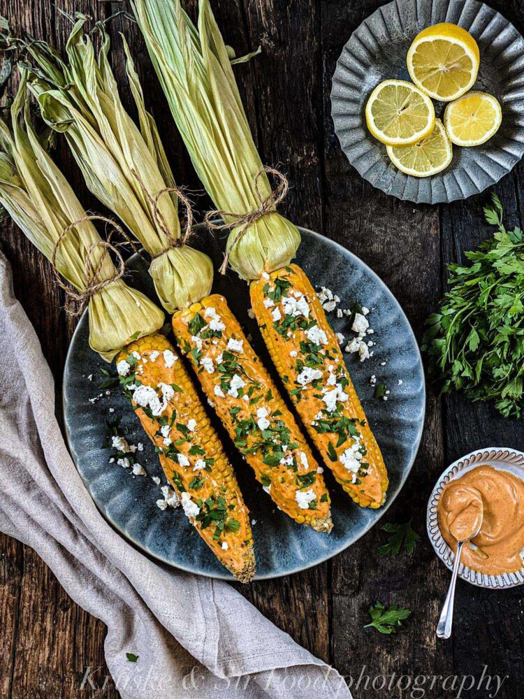 Kuvani kukuruz sa feta sirom se slaže uz svaku jesenju trpezu!