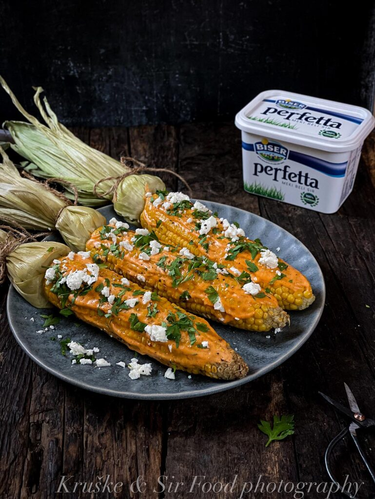 Kuvani kukuruz sa feta sirom je lagan za pravljenje a preukusan!