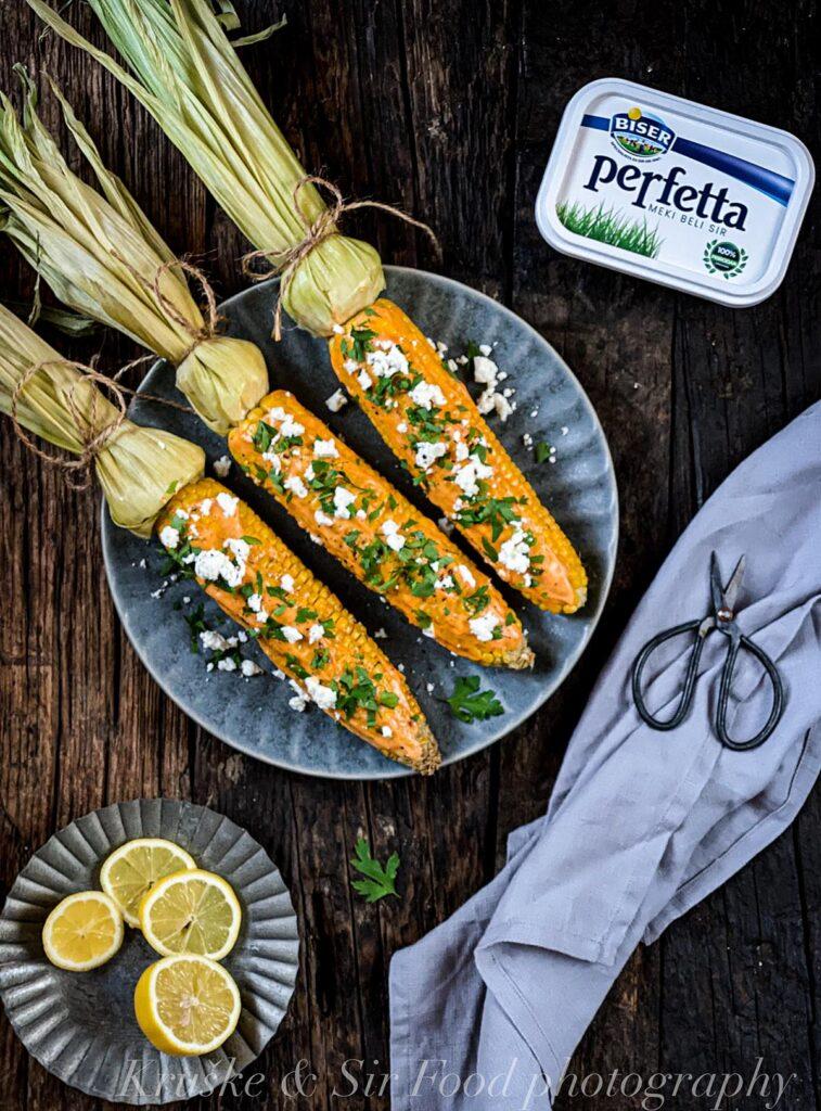 Kuvani kukuruz sa feta sirom traži samo 15 minuta vašeg vremena a rezultat je božanstven!